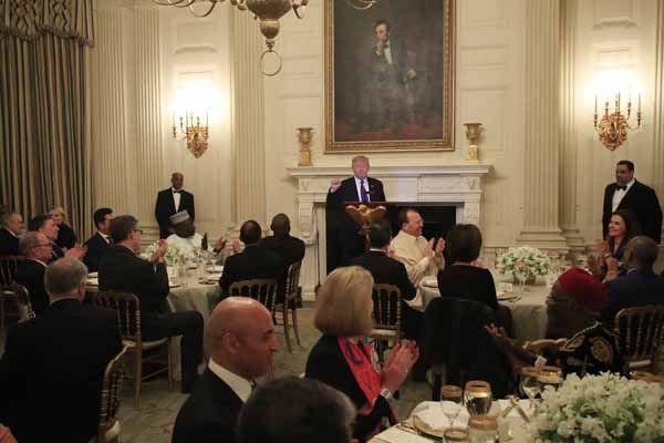 Trump, Beyaz Saray'da iftar verdi - Page 4