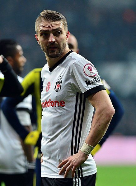Beşiktaş'ta o futbolcu ayrılıyor! - Page 1
