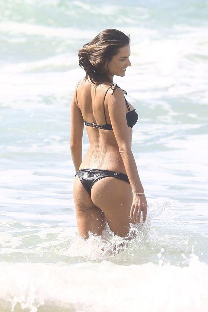 Alessandra Ambrosio saatlerce poz verdi! - Page 2