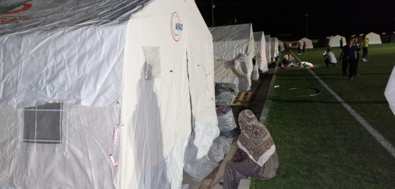 Denizli'de deprem sonrası ilk gece - Page 2