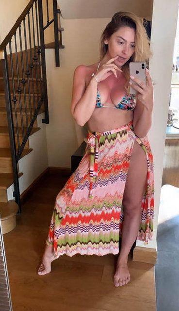 Hadise'den bikinili pozlar - Sayfa 1