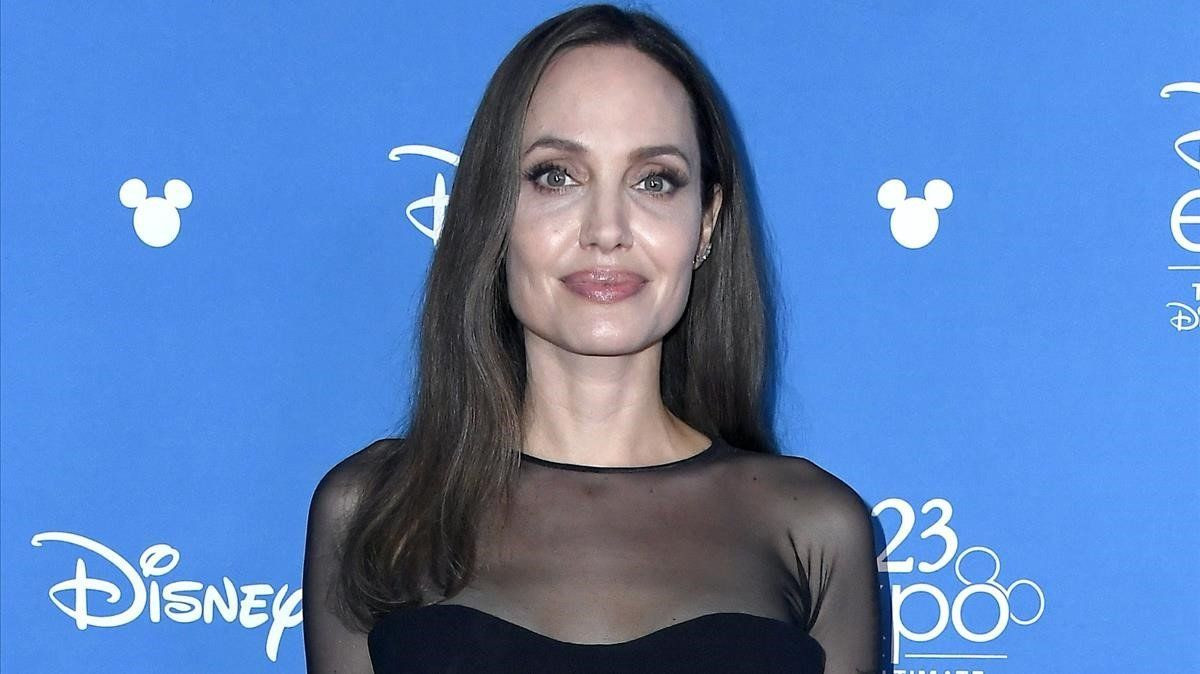 Angelina Jolie ekranlara geri dönüyor! - Sayfa 2