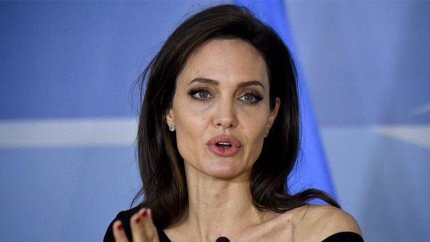 Angelina Jolie ekranlara geri dönüyor! - Sayfa 3