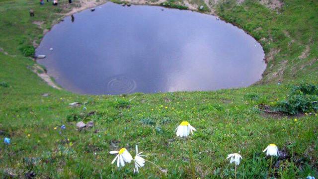 12 bin yıllık dipsiz gölü yok ettik