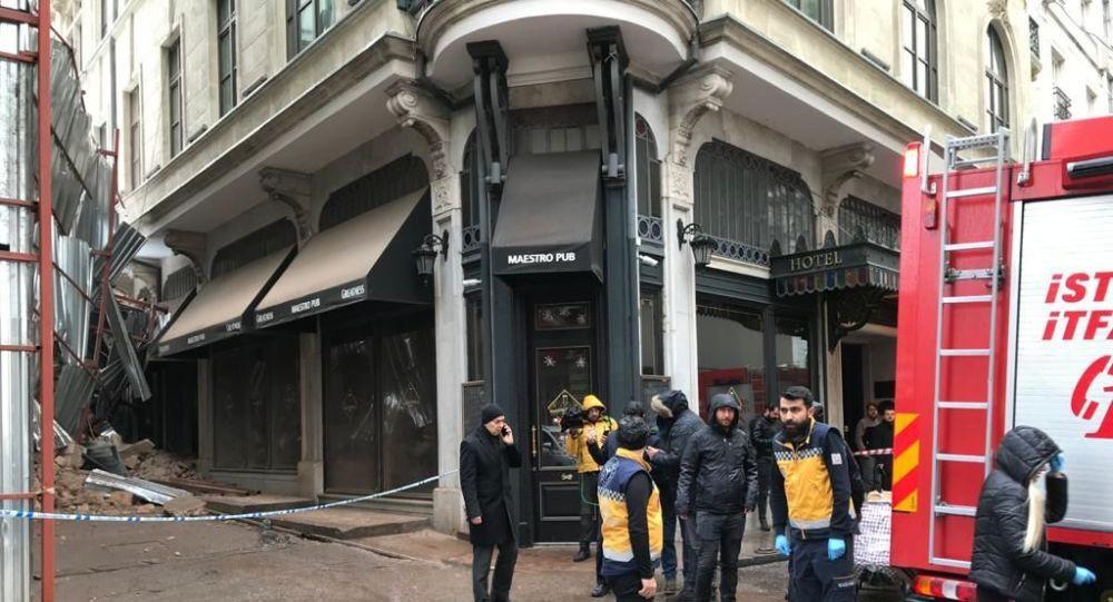 Beyoğlu'nda bina çöktü! - Sayfa 2