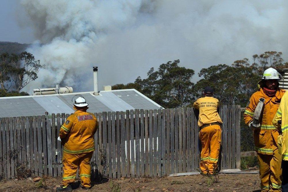 Yangınları söndüremeyen Avustralyalı yetkililer: Şansınız varken kaçın - Sayfa 1