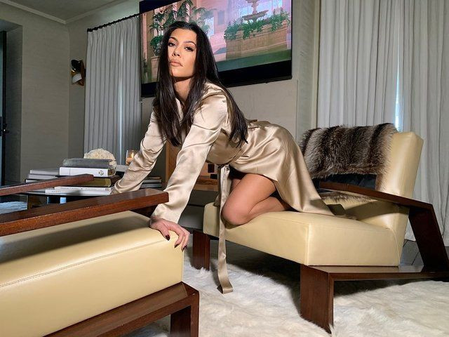 """Kourtney Kardashian'ın """"Ermeni baklavası"""" paylaşımına tepki yağdı - Sayfa 1"""