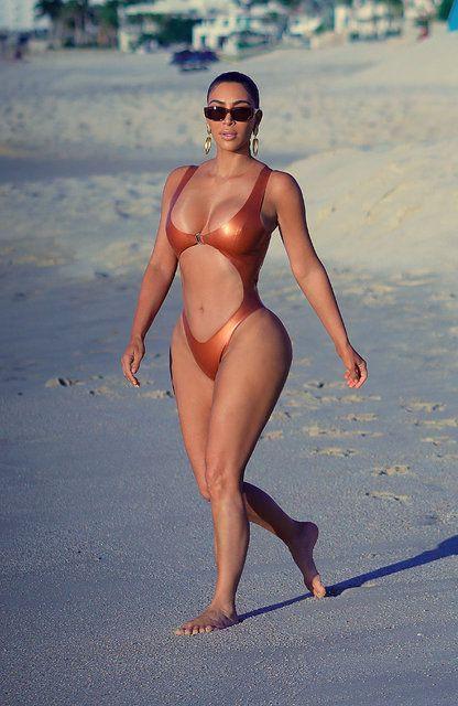Kim Kardashian soluğu Meksika'da aldı - Sayfa 1