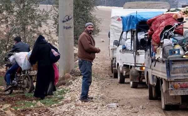 İdlib'den Türkiye sınırına yeni göç dalgası! - Sayfa 1