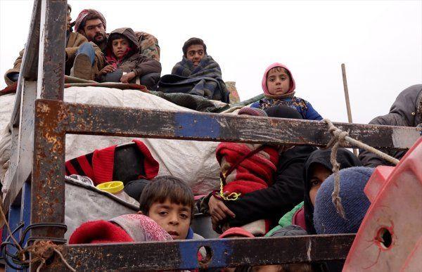 İdlib'den Türkiye sınırına yeni göç dalgası! - Sayfa 2