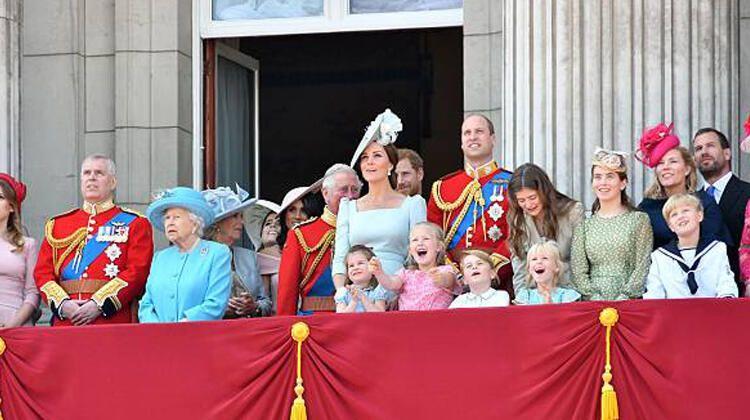 Kraliçenin torunu boşanıyor - Sayfa 1