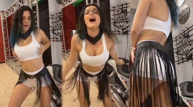 Bella Thorne'dan kalça dansı - Sayfa 1