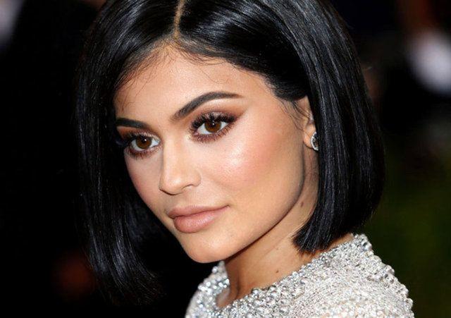 Kylie Jenner sahtecilikle suçlanıyor - Sayfa 1
