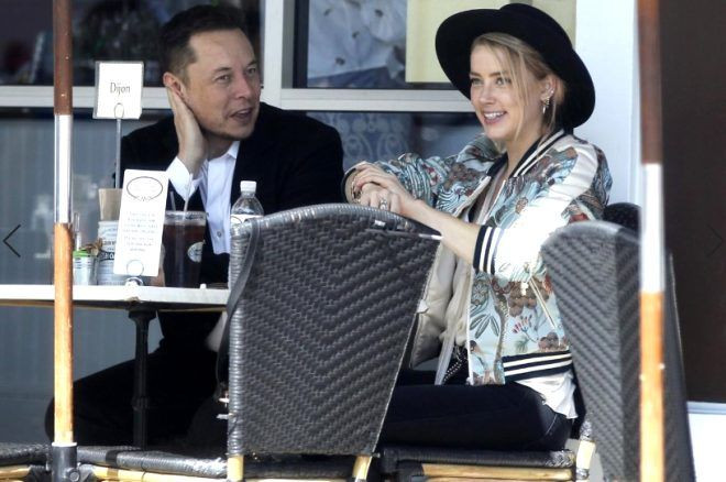 Elon Musk, oyuncu Amber Heard ve ünlü model Cara Delevingne ile üçlü ilişki iddialarını reddetti - Sayfa 1