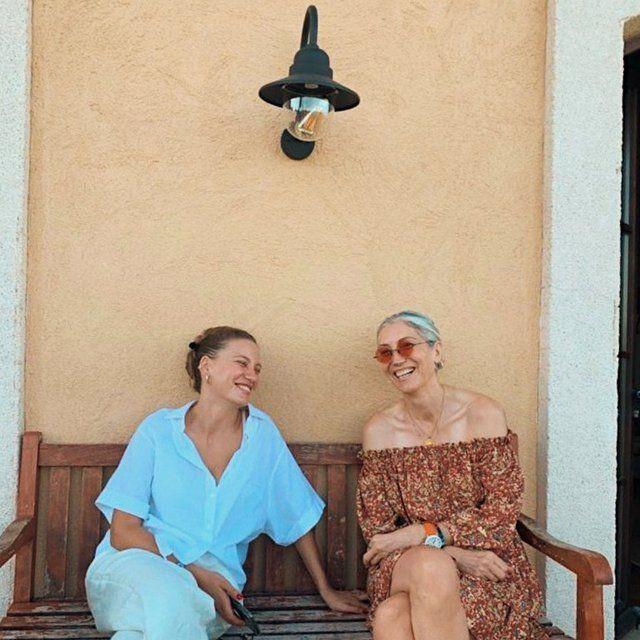 Serenay Sarıkaya'dan annesi ile poz: Analı kızlı - Sayfa 2