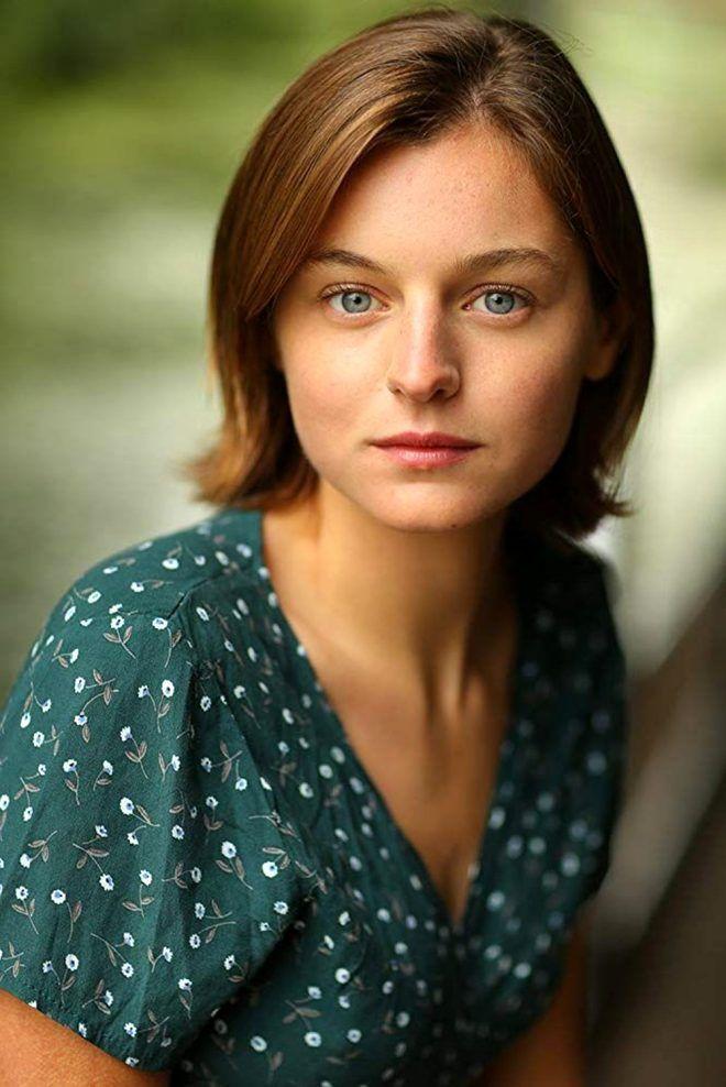 Güzel oyuncu Emma Corin, 'Stresi alıyor' diyerek çantasında cinsel oyuncak taşıdığını itiraf etti - Sayfa 3