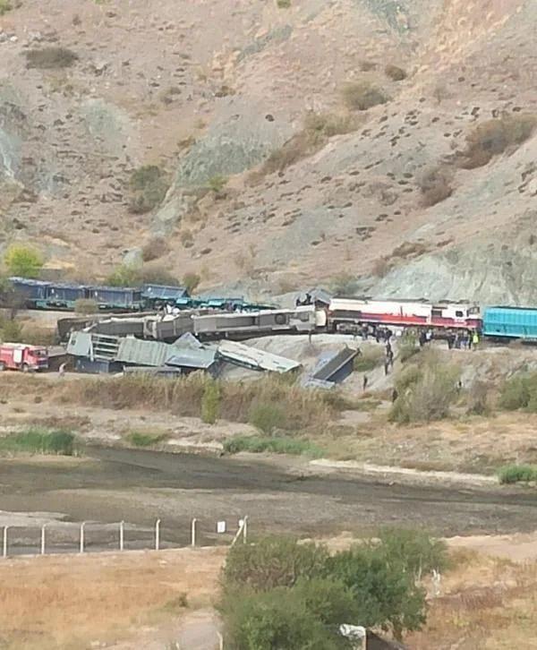 Ankara'da iki tren çarpıştı: 2 ölü - Sayfa 2