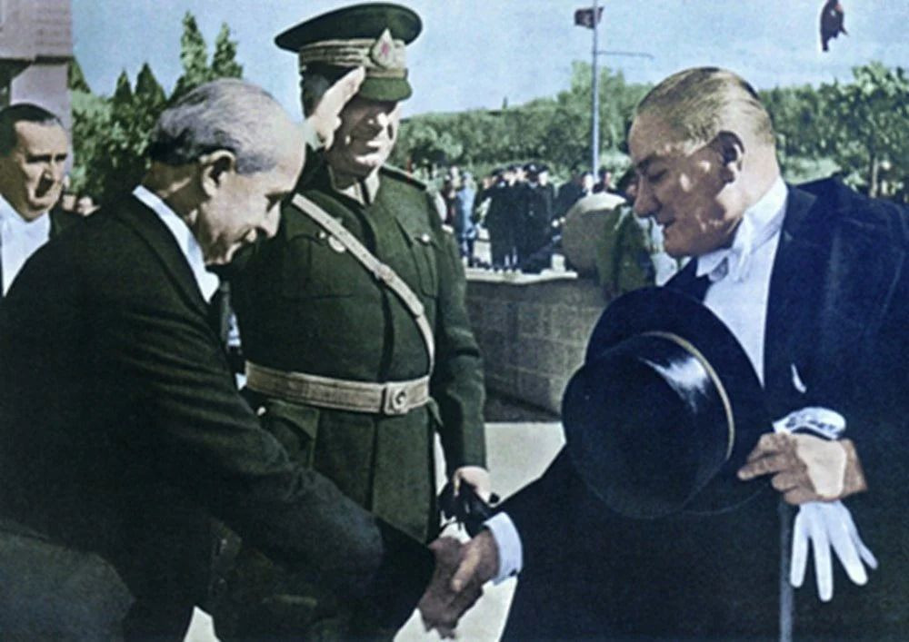 Renklendirilmiş Mustafa Kemal Atatürk fotoğrafları - Sayfa 1