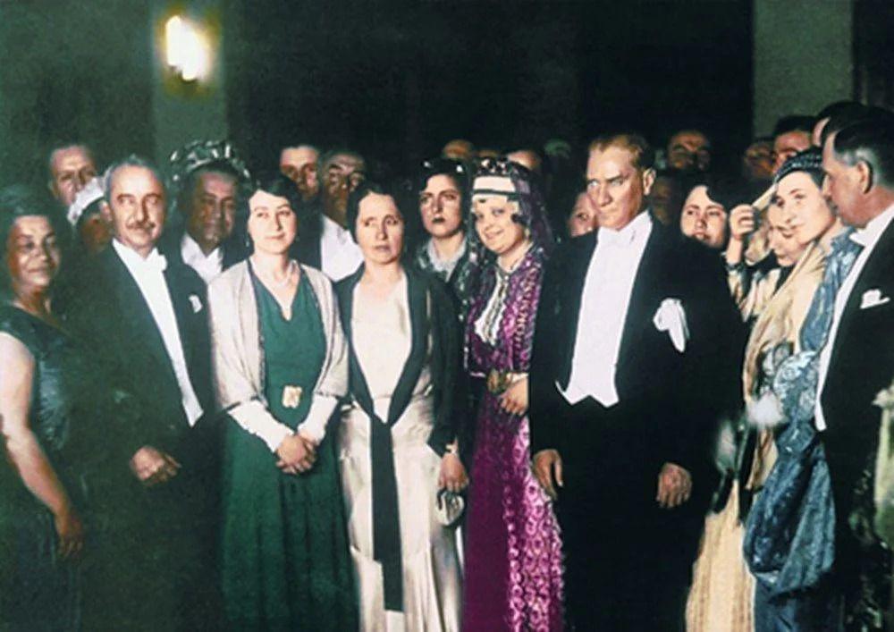 Renklendirilmiş Mustafa Kemal Atatürk fotoğrafları - Sayfa 4