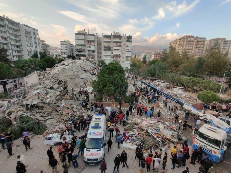 İzmir depreminde ölü ve yaralı sayısı arttı - Sayfa 1
