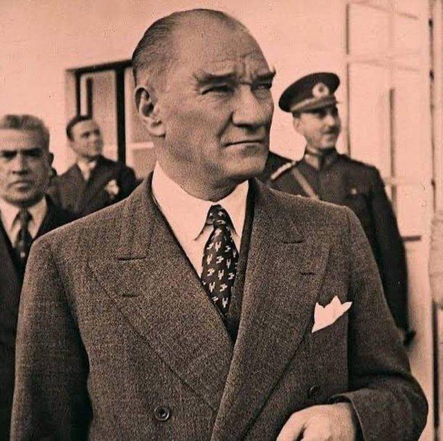 Ünlülerden 10 Kasım Atatürk'ü Anma Günü paylaşımları - Sayfa 1