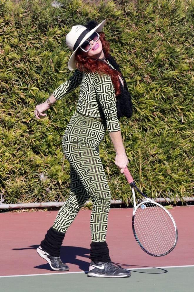 Tenis oynarken göğsü açıldı! Frikiği umursamadan poz vermeye devam etti - Sayfa 2