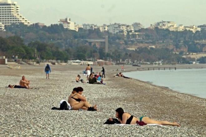 Antalya'nın serin sularında çocuklar gibi eğlendi! Rus fenomen diğer turistleri bile kıskandırdı - Sayfa 2