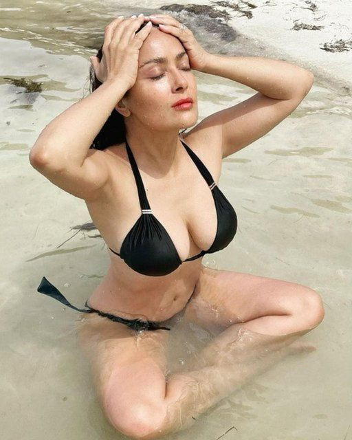 Salma Hayek: Bikinili fotoğraf paylaşmaktan utanmıyorum - Sayfa 3