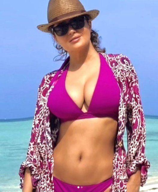 Salma Hayek: Bikinili fotoğraf paylaşmaktan utanmıyorum - Sayfa 4