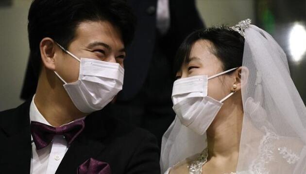 Çin'de düğün kaosu: Damadın annesi, gelinin kendi kızı olduğunu fark etti - Sayfa 1