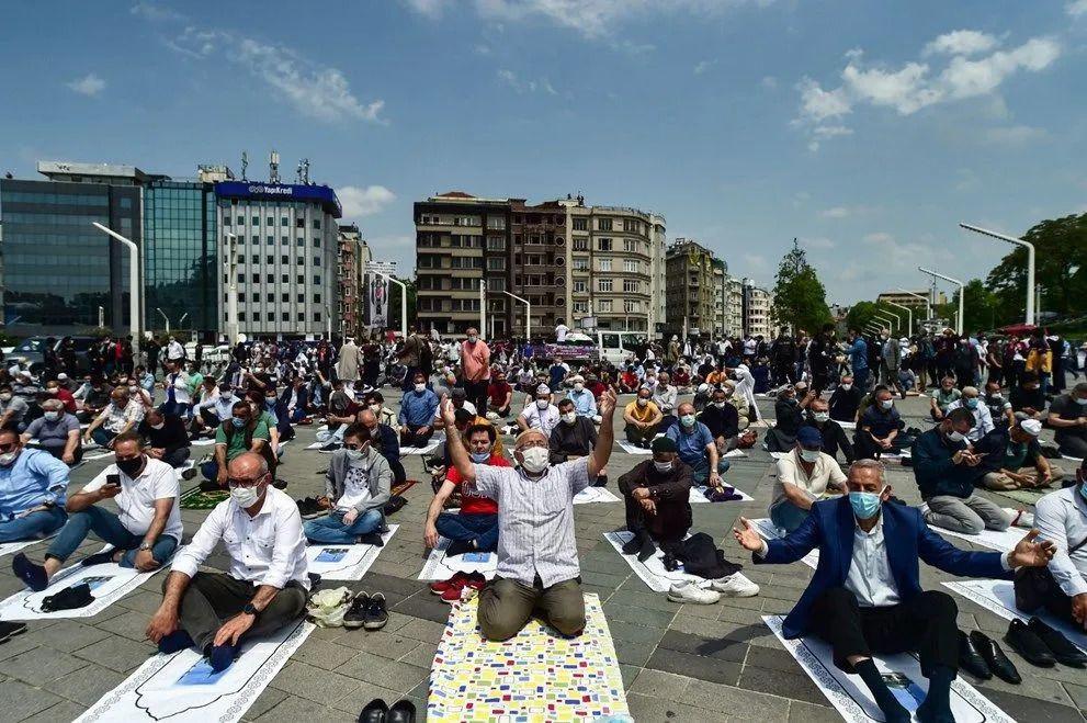 Taksim Camii ibadete açıldı - Sayfa 4