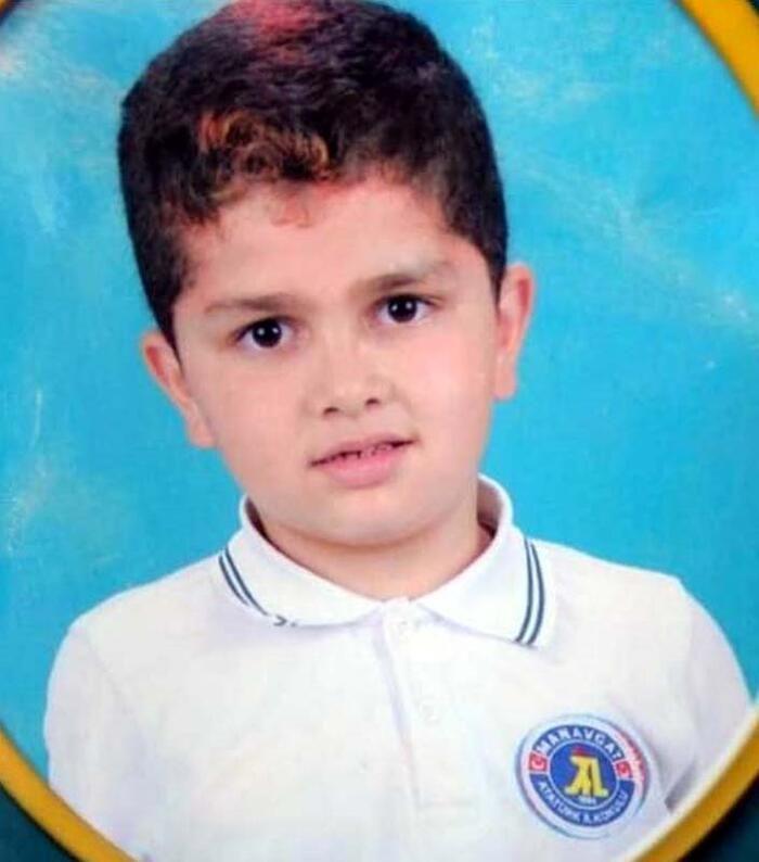 8 yaşındaki kardeşini vahşice öldürdü! Hakime sorduğu soru herkesi şaşırttı - Sayfa 4