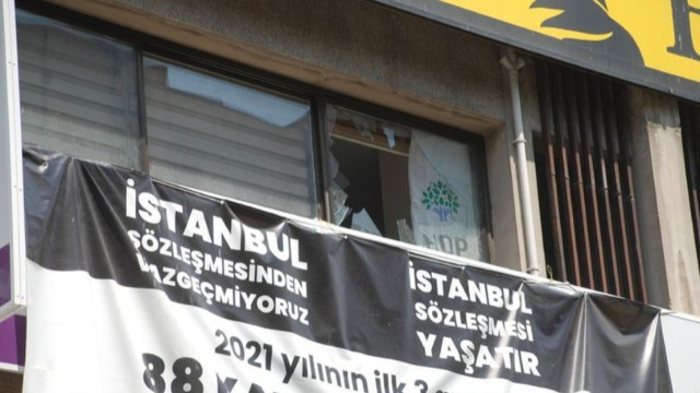HDP İzmir İl Başkanlığı'na silahlı saldırı: 1 kişi yaşamını yitirdi