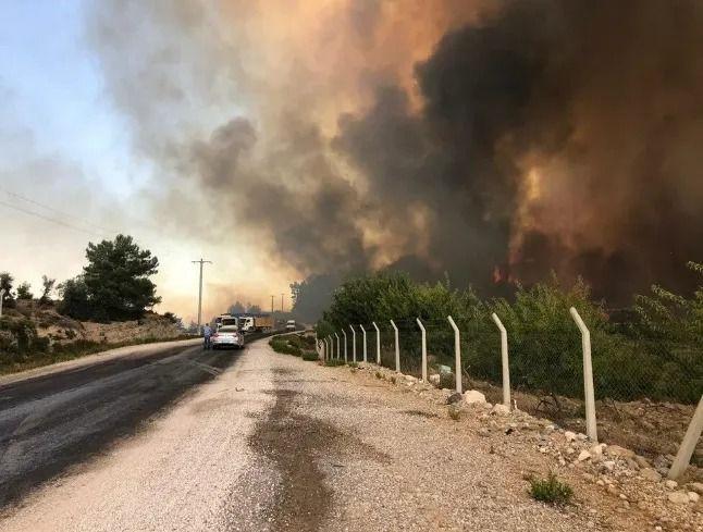 Antalya Manavgat'ta büyük yangın kontrol altında! - Sayfa 2